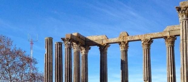Templo romano na cidade de Évora.