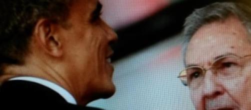 Un regard historique entre Obama et Raoul Castro
