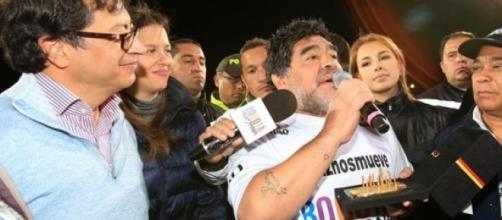 Maradona antes do início do jogo