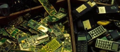 Reciclagem de telemóveis.