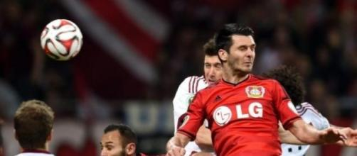 Spahic despedido do Bayer Leverkusen