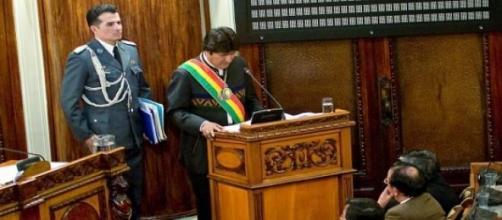 Evo Morales habla en el Parlamento de Bolivia.