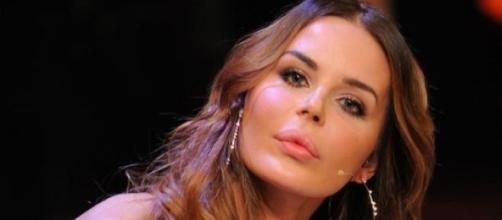 Nina Moric ha tentato il suicidio.