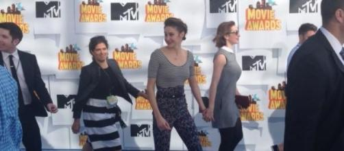 Shailene Woodley at the red carpet of the show.
