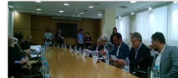 FPF em reunião nesta segunda (13).