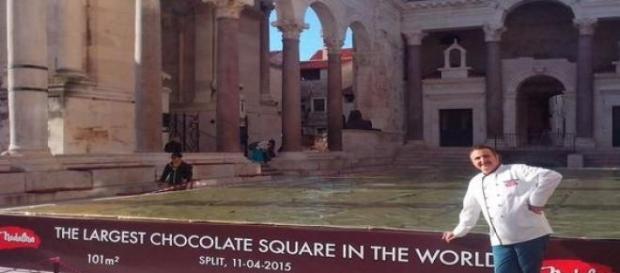 O criador da maior barra de chocolate do mundo