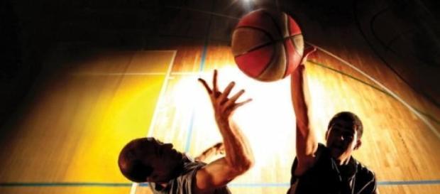 Primele dueluri din play-off la baschet