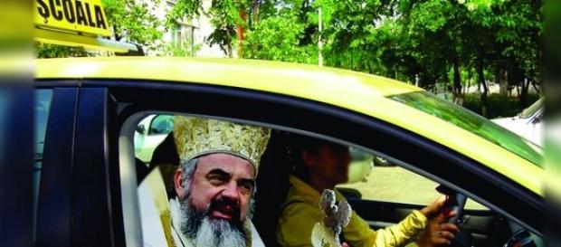 Scoala de soferi aduce in dotare ora de religie