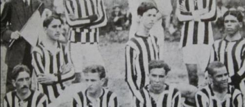 A primeira geração dos meninos da vila, em 1917