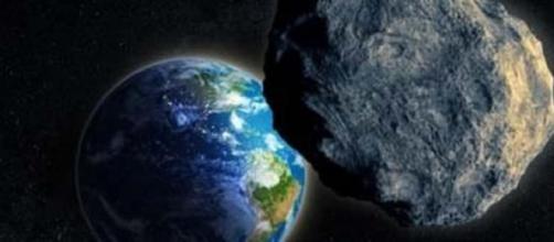 Asteroide in direzione della Terra