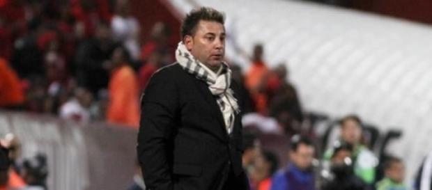 """Antonio Mohamed se pierde el """"Clásico Regio""""."""