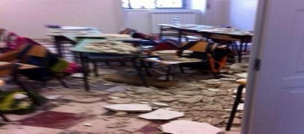 Ciò che resta dell'aula dove è avvenuto il crollo