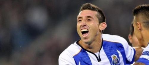Héctor Herrera, convertido en un grande en Europa