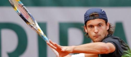 Raonic derrotou Sousa por 6-4 e 7-6 (7-4)