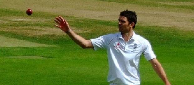 Anderson moved within two wickets of Botham
