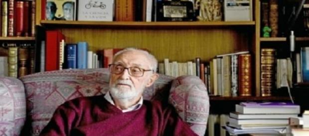 Sampedro: economista, escritor y humanista