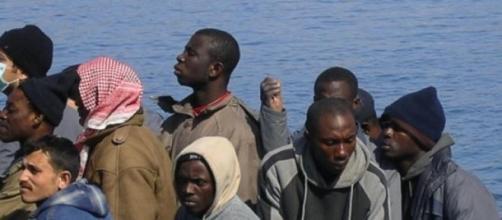 Lite religiosa: dodici cristiani gettati in mare