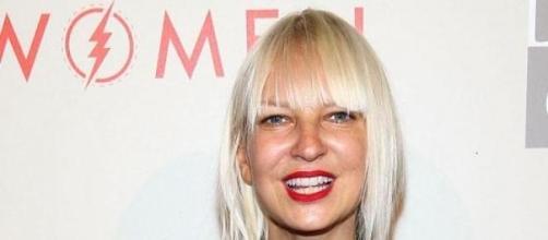 Sia escreveu Diamonds em 14 minutos.