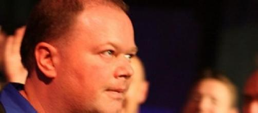 Big win for van Barneveld over van Gerwen in PL