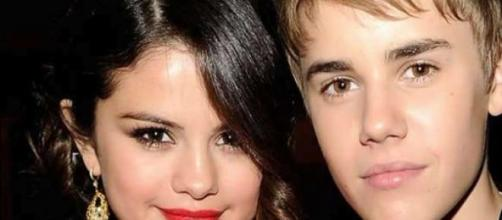 Selena Gomez só pensa no ex-namorado.
