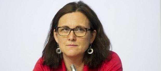 La Commissaire au Commerce défend le TTIP.