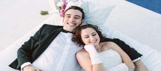 Salva y Gloria siguen con su matrimonio