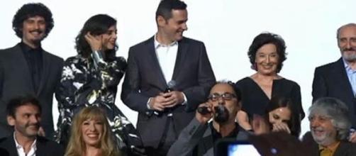 El elenco de actores y actrices de la serie