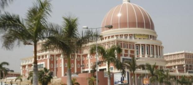 Economias paralelas crescem em Angola