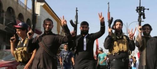 25.000 étrangers combattent avec l'État islamique.