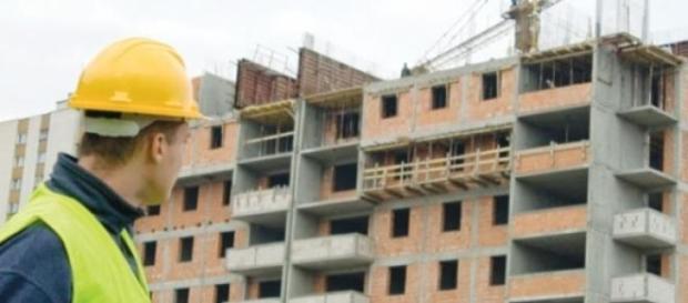 Câți bani câștigă românii pe șantierele britanice