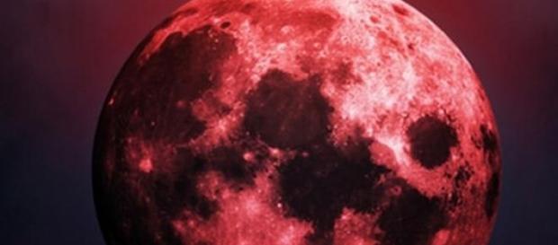 'Luna de sangre' del primer eclipse de la tétrada