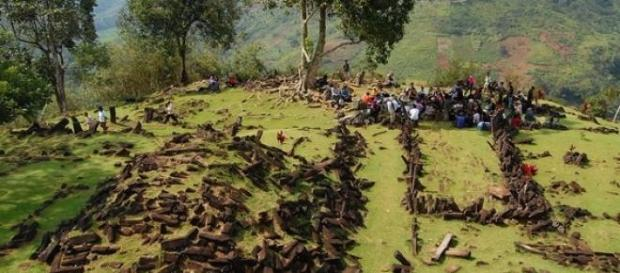 Piramida descoperita in Indonezia