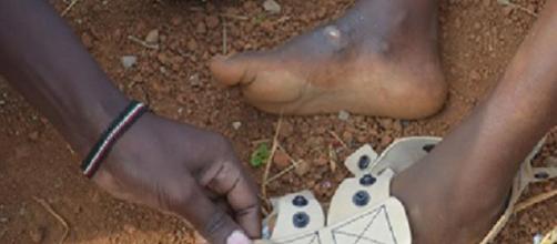 Iniciativa cria sapatos ajustáveis