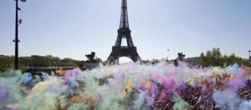 The Colour Run davanti a Trocadéro