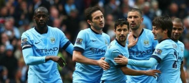 Manchester City volta a vencer na Premier League