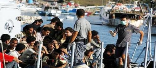 Barco con inmigrantes en Lampedusa en el año 2007.