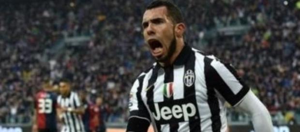 El goleador de la Juventus festejando.