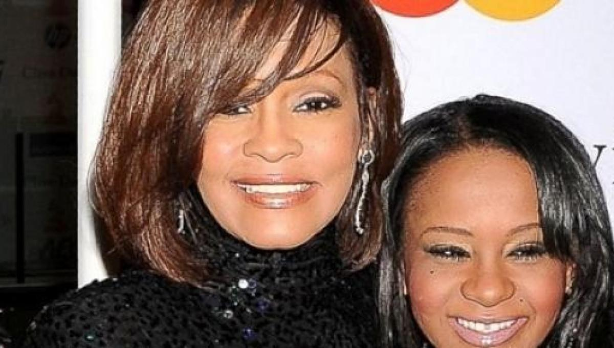 La figlia di Whitney Houston è uscita dal coma, ancora incertezze sul suo  futuro