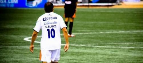 El futbolista se retira como campeón