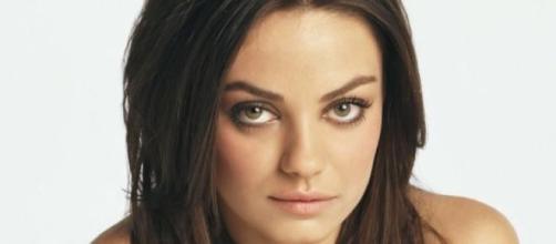 Mila Kunis se ve envuelta en un escándalo
