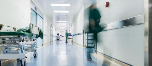 Photo prise dans le couloir d'un hopital