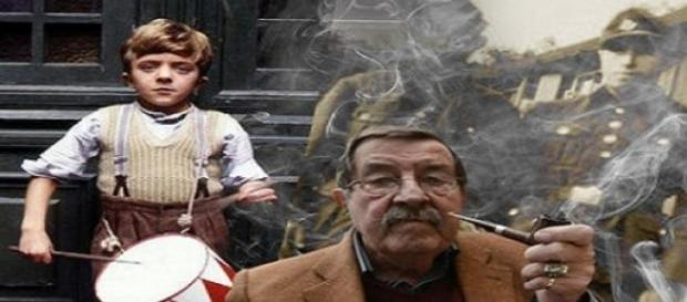 Günter Grass con su personaje Oskar (El Tambor)