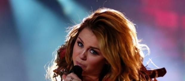 Miley Cyrus trennt sich von Schwarzenegger