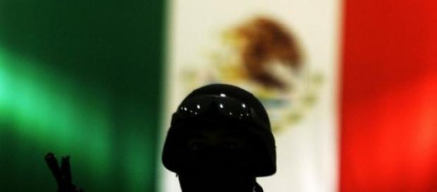 Polícia mexicana envolvida em novo massacre