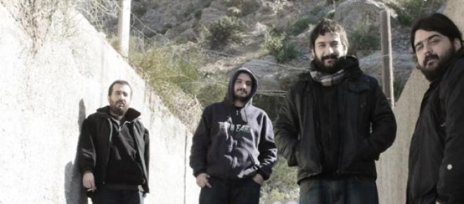 """Sus integrantes (de izquierda a derecha): Alejandro Zenobi (batería), Lucas Martínez (guitarra), Darío """"Pantera""""Giuliano (voz) y Nicolas Persig (bajo)."""