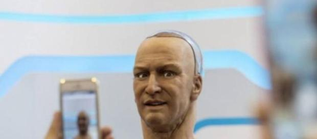 Es un formidable robot de apariencia humana