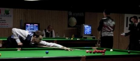 Selby needs to battle back in evening session