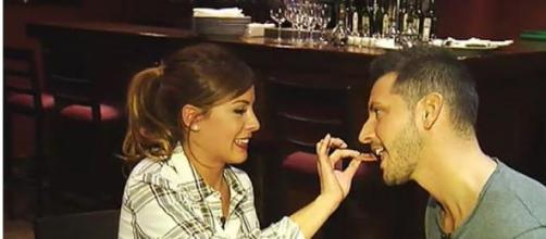 Manu le pide una cita a su expretendienta Susana