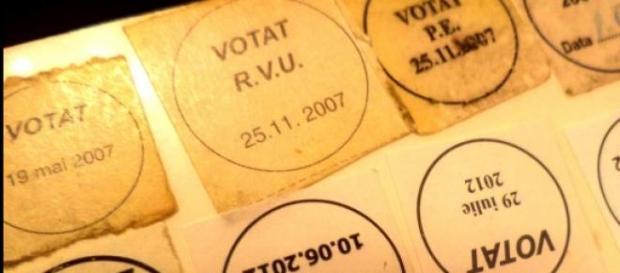 Carte de identitate cu participarea la vot