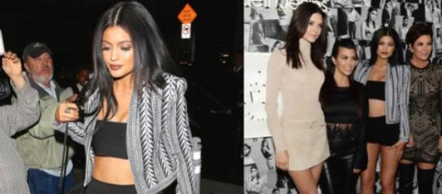 Kylie com a mãe e as irmãs Kardashian-Jenner